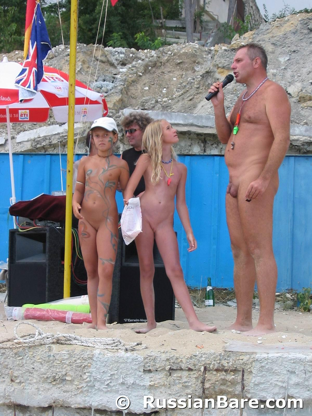 family paint Nudist body