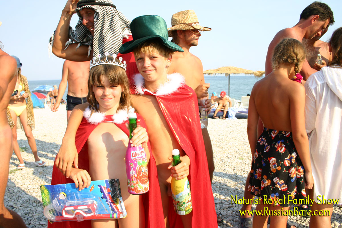 nudistfun.com  http://www.nudistfun.com/IMG_0121.jpg