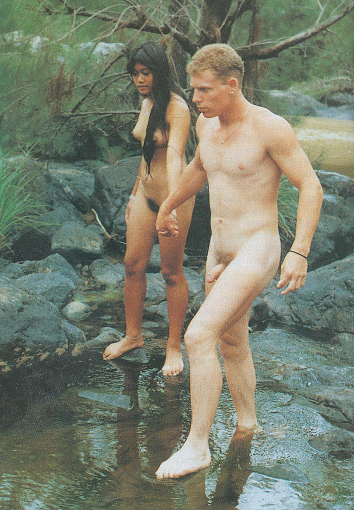 Фото голых парней вместе с девушкой 10 фотография