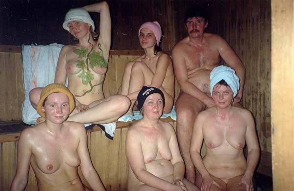 Секс в сауне. оральный секс. секс групповуха. молодые. минет. любительск